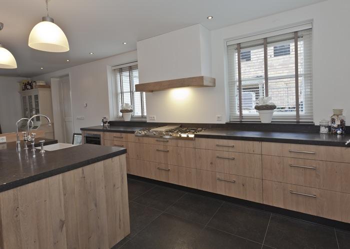 Eiken keuken vergrijsd - Moderne oude keuken ...