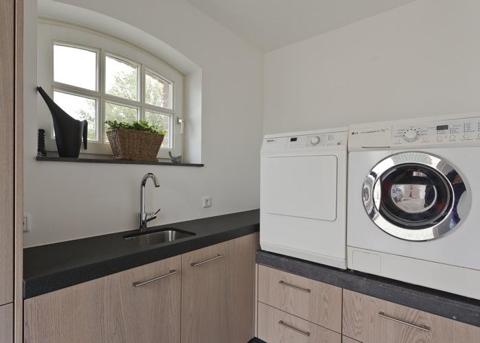 Thijs van de wouw keukens badkamer inrichting - Moderne wasruimte ...