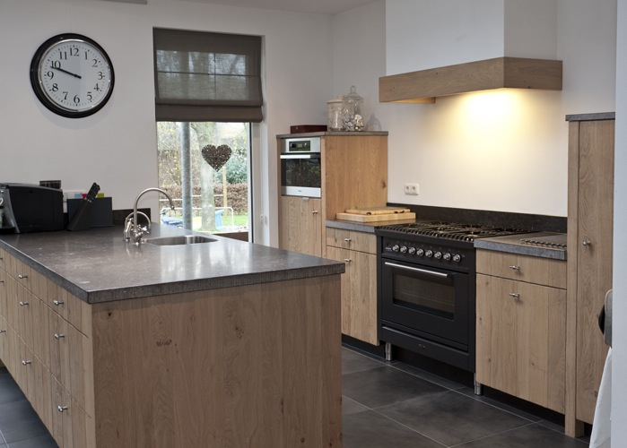 Thijs van de wouw keukens tijdloos modern - Opruimen houten balk ...