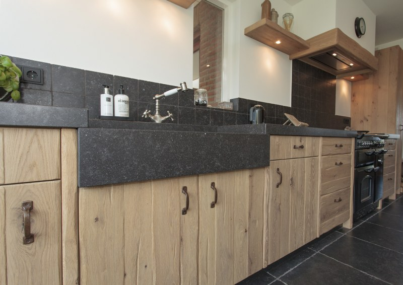 Keuken Wasbak Plaatsen : Thijs van de Wouw Keukens – Landelijk Massief Eiken