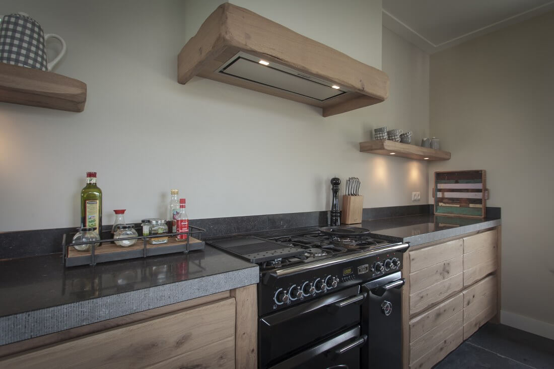 De Eikenhouten Keuken : Thijs van de wouw keukens houten keuken in stijl