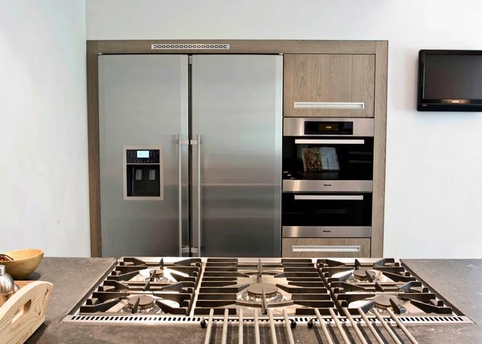 Thijs van de wouw keukens mooi hout en steen - Moderne amerikaanse keuken ...