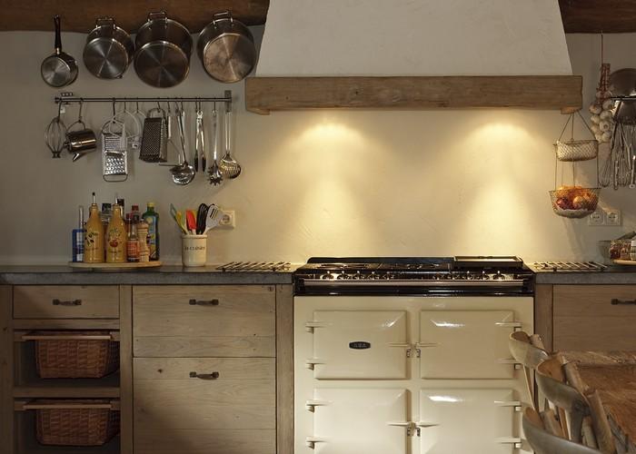 Keuken Met Schouw : Aga kookfornuis met schouw met afzuigunit