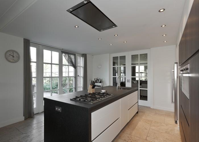 Keuken Afzuigkap Inbouw : Kook- en spoeleiland met er boven een inbouw afzuigkap