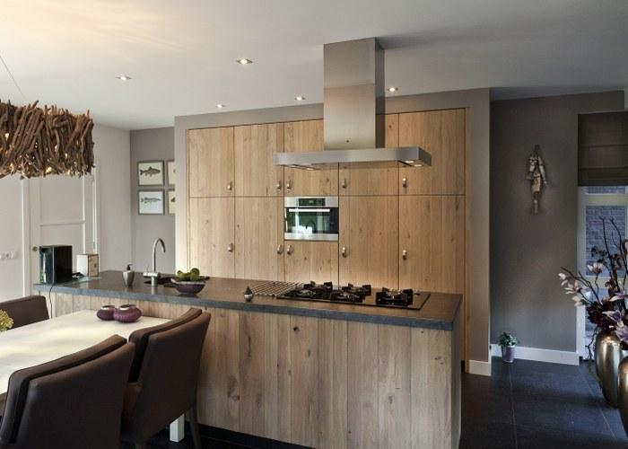 Eiken Keuken Met Eiland : Thijs van de Wouw Keukens De Warmte van Rustiek