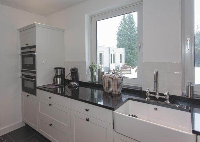 Wasbak Keuken Keramiek : Royaal aanrecht met spoelbak in onderbouw