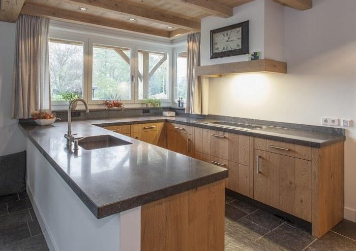 Een Leef Keuken, deze houten keuken van massief eiken