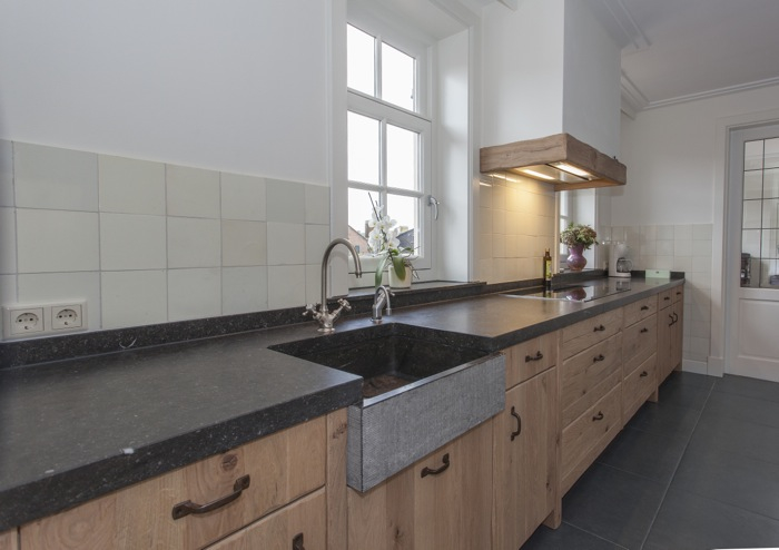 Eikenhouten Keuken Maken : Luxe eikenhouten keuken van muur tot muur