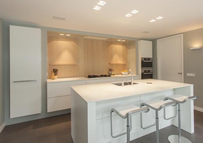 Keuken Strak Modern : Bijzonder mooi maatwerk, deze strakke moderne keuken