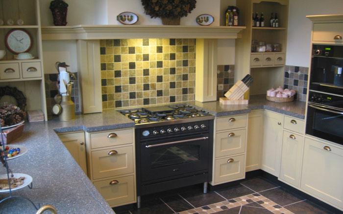 Geel De Keuken : Thijs van de wouw keukens zacht geel