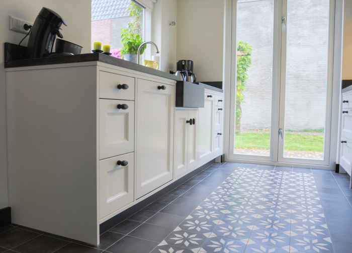 Thijs van de wouw keukens ruimtelijk licht - Keuken indeling ...